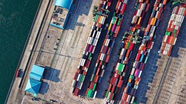 Praca jako logistyk – zarobki, zakres obowiązków, wymagania pracodawców
