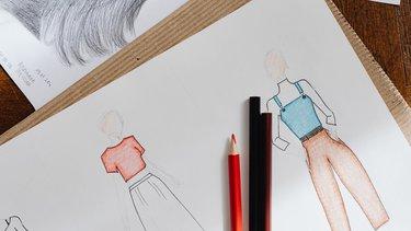 Praca jako projektant mody – co warto wiedzieć?